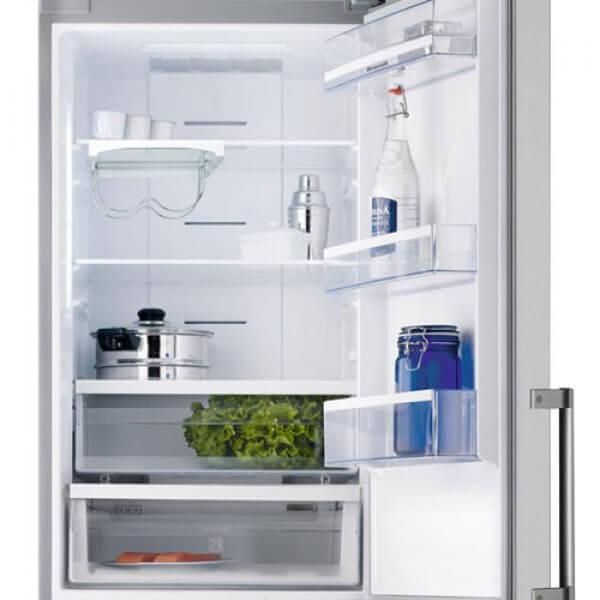 Vue intérieure du réfrigérateur Brandt BFC584YNX